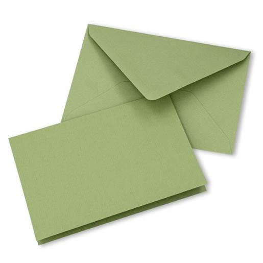 lys olivengrønn
